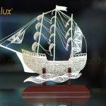 Mô hình thuyền buồm thuận buồm xuôi gió chế tác thủ công từ bạc mạ vàng 24k 7