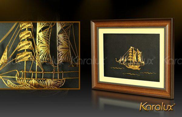 Tranh thuyền buồm phong thủy bằng bạc mạ vàng 1