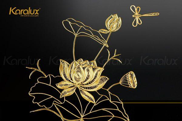 Tranh hoa sen vuông treo tường mạ vàng 2