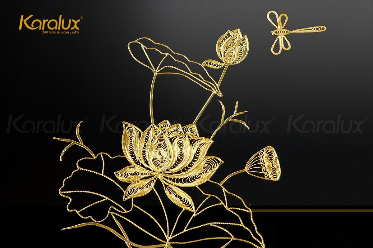 Tranh hoa sen vuông treo tường mạ vàng 9