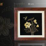 Tranh hoa sen phong thủy mạ vàng 7