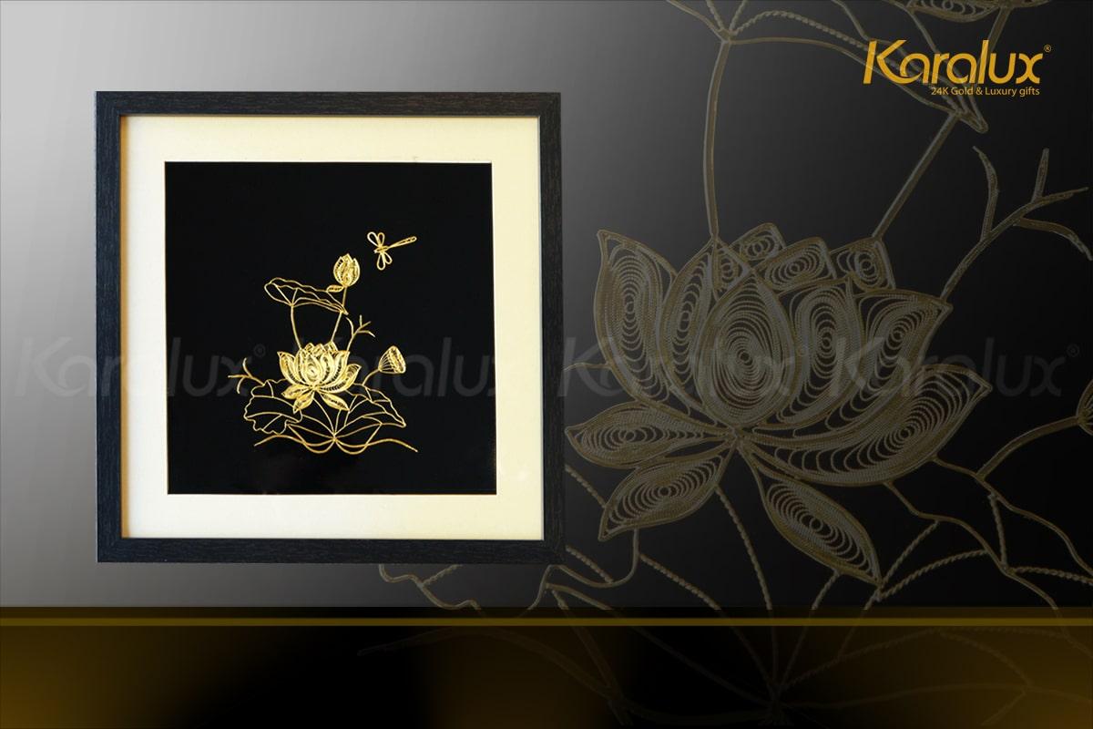 Tranh hoa sen vuông treo tường mạ vàng 8