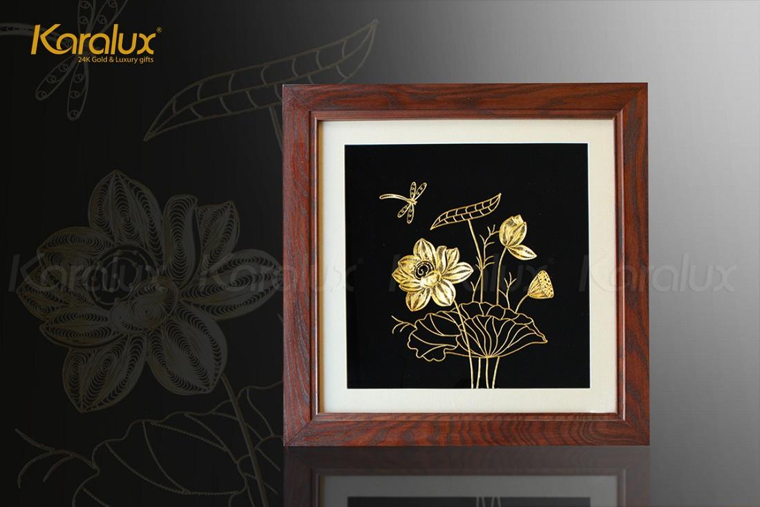 Tranh hoa sen phong thủy mạ vàng 11