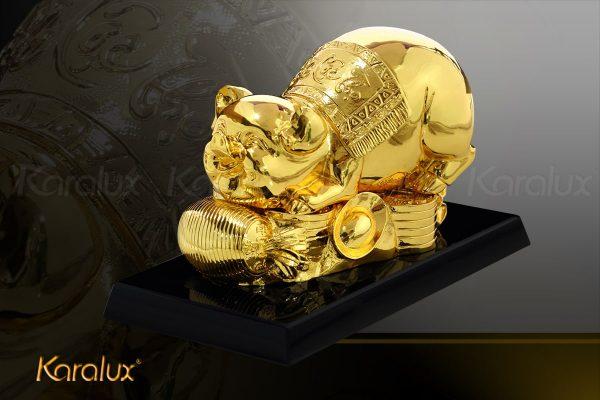 Tượng heo vàng Phúc Lộc Thọ với thiết kế tươi tắn, dễ thương là món quà tết Kỷ Hợi ý nghĩa