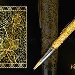 Bút Sen Vàng với họa tiết hoa sen tinh tế