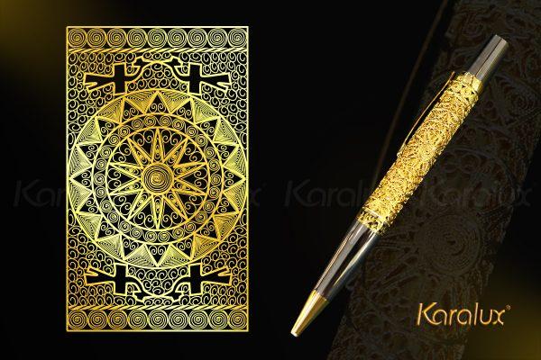 Bút trống đồng Đông Sơn mạ vàng với họa tiết hoa văn trên trống đồng cổ