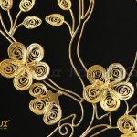 Từng chi tiết nhỏ nhất của bông hoa được người nghệ nhân kim hoàn tỉ mẩn chế tác từ những sợi bạc