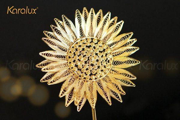 Tranh hoa hướng dương được chế tác thủ công tỷ mỉ bởi nghệ nhân kim hoàn