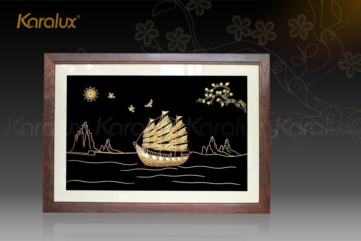 Tranh thuyền buồm thuận buồm xuôi gió mạ vàng Karalux 32
