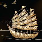 Tranh thuyền buồm thuận buồm xuôi gió mạ vàng Karalux 16