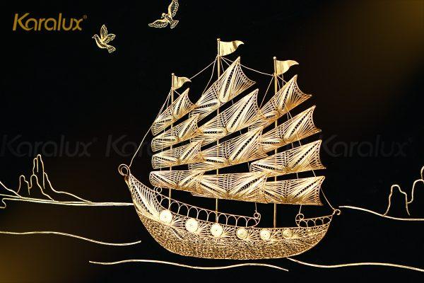 Tranh thuyền buồm thuận buồm xuôi gió mạ vàng Karalux 5