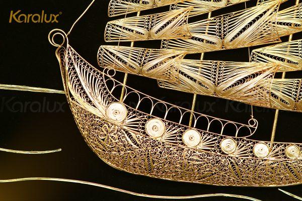 Tranh thuyền buồm thuận buồm xuôi gió mạ vàng Karalux 7