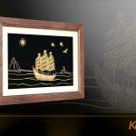 Tranh thuyền buồm thuận buồm xuôi gió mạ vàng Karalux 24