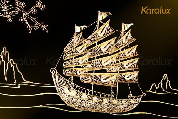 Tranh thuyền buồm thuận buồm xuôi gió mạ vàng Karalux 2