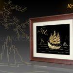 Tranh thuyền buồm thuận buồm xuôi gió mạ vàng Karalux 12