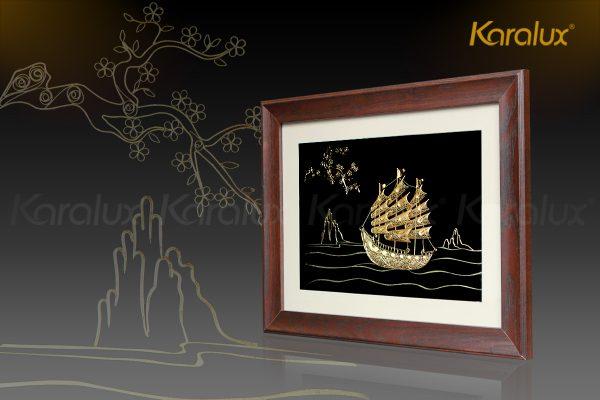 Tranh thuyền buồm thuận buồm xuôi gió mạ vàng Karalux 3