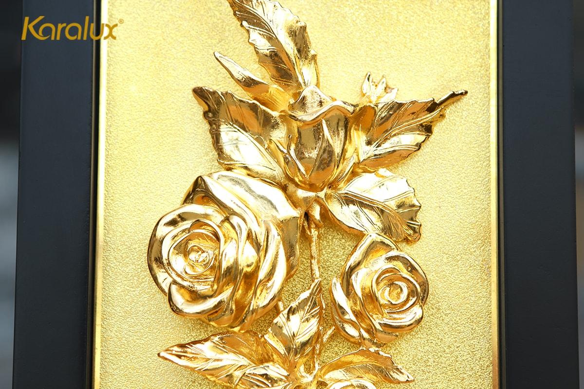Tranh hoa hồng mạ vàng để bàn 10