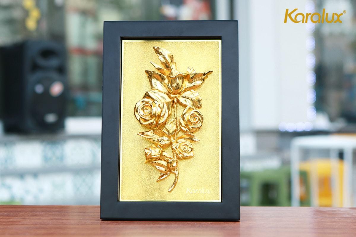 Tranh hoa hồng mạ vàng để bàn 8