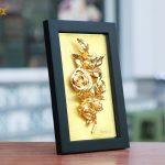 Tranh hoa hồng mạ vàng để bàn 4