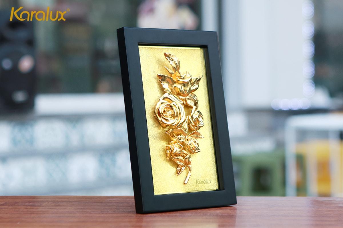 Tranh hoa hồng mạ vàng để bàn 12