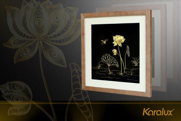Tranh hoa sen chế tác thủ công từ bạc mạ vàng 24k 3