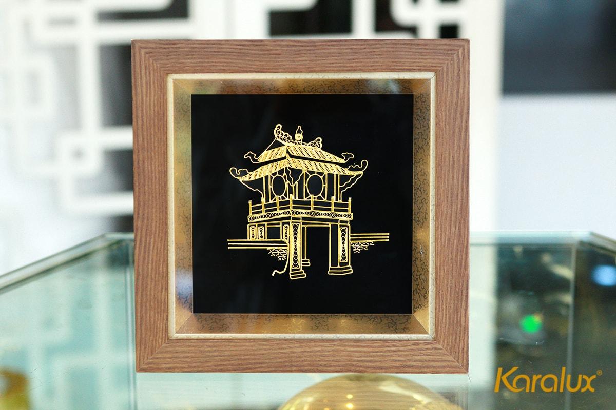 Tranh Khuê Văn Các cao cấp mạ vàng được chế tác thủ công tinh xảo từ sợi bạc bởi nghệ nhân kim hoàn Karalux