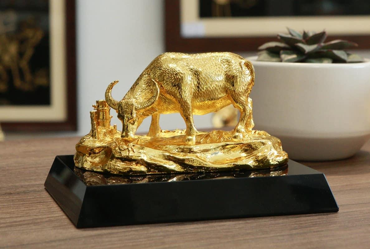 Tượng trâu mạ vàng An Lạc 8