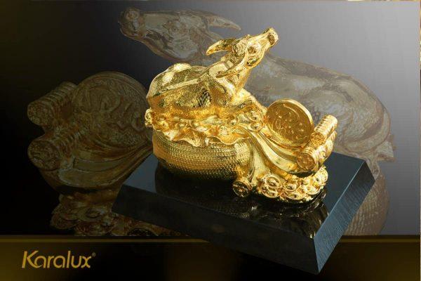 Tượng trâu mạ vàng Nghênh Phúc 2