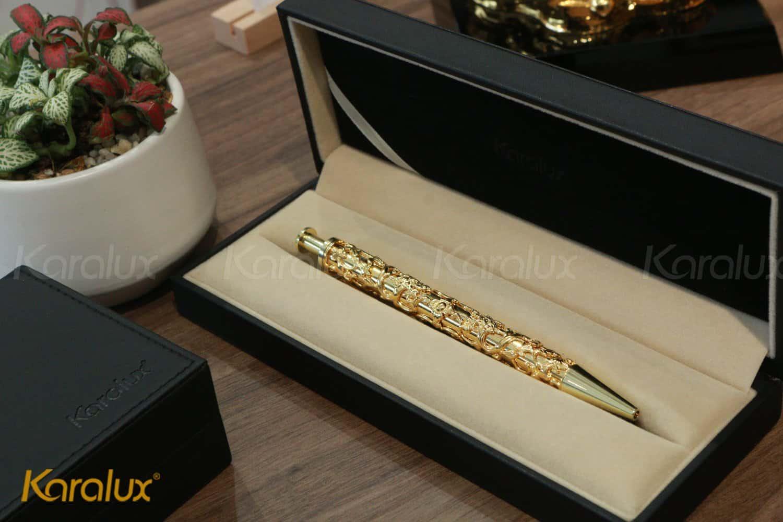 Bút ký mạ vàng chế tác thủ công tinh xảo bởi nghệ nhân kim hoàn Karalux