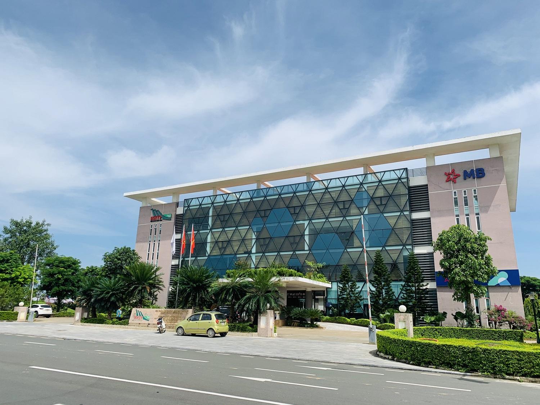 Tòa nhà MBBank chi nhánh Hòa Lạc